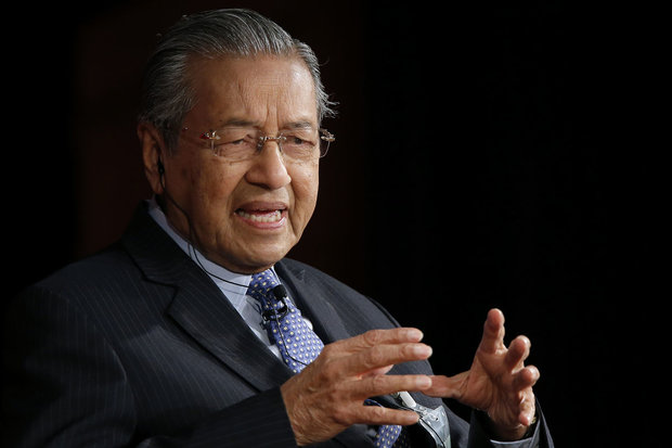 Malaysian PM lauds Iran for resisting against sanctions