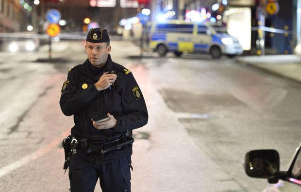اصابة 20 شخصا في حريق هائل في مبنى للاجئين في السويد