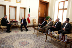 Zarif meets UNODC director, Indonesian min.