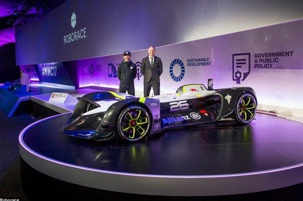 نخستین خودروی خودران مسابقه ای رونمایی شد