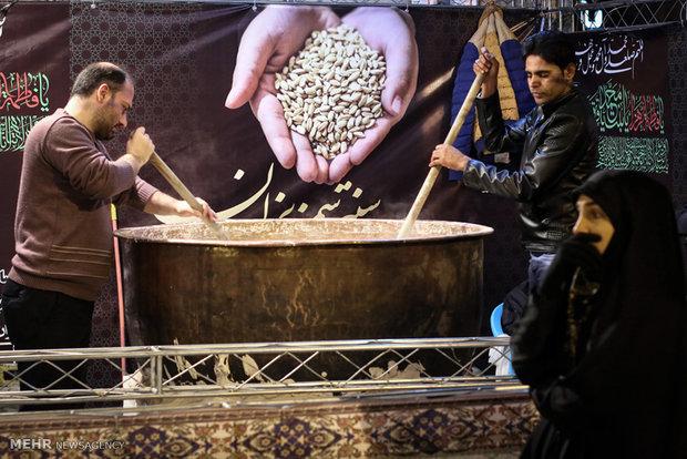 آیین سنتی «سمنوپزان» به مناسبت شهادت حضرت فاطمه زهرا (س)