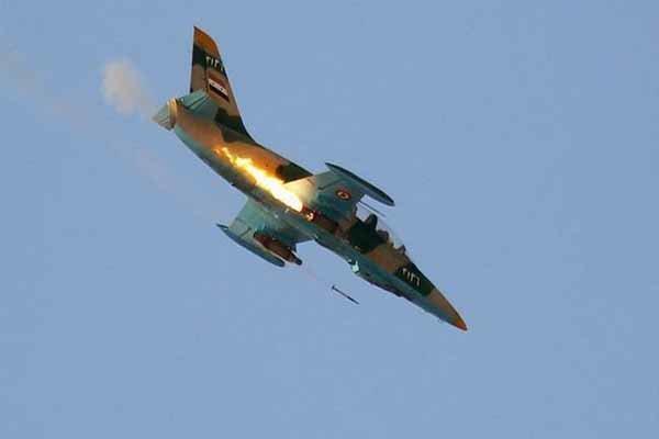 الجيش السوري يستهدف مواقع المسلحين في بلدات في محافظة ادلب