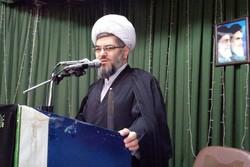 جوانان ایرانی برای محافظت از انقلاب با دشمنان مقابله میکنند