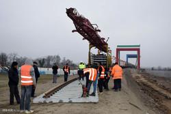 عملیات ریل گذاری راه آهن بین المللی و مشترک بین کشورهای ایران و جمهوری آذربایجان
