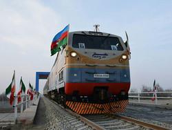 بدء التشغيل التجريبي لسكة الحديد بين ايران وجمهورية اذربيجان