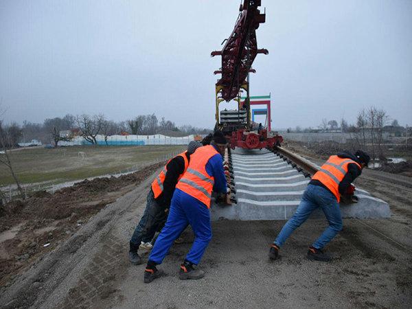 بدء عمليات إنشاء السكك الحديدية الدولية بين ايران واذربيجان