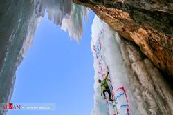 Ice climbing school in Meygoon