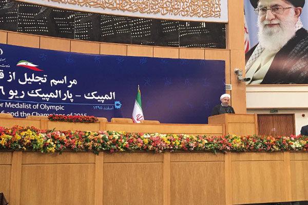 روحاني: استضافة فريق المصارعة الامريكي دليل عظمة الشعب الايراني