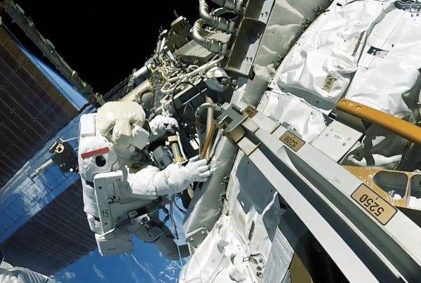 ایران ربات فضانورد به فضا می فرستد/ اعزام انسان به فضا تا ۱۴۰۴