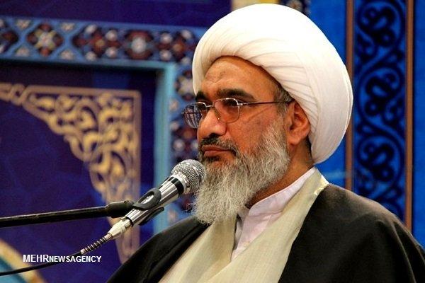 بوشهر در خط مقدم دفاع ایران مقابل استعمار و استکبار قرار دارد