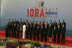 Zarif meets with IORA states' representatives in Jakarta