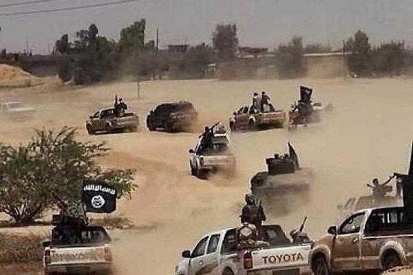 تنظيم داعش الإرهابي يبدأ بالانسحاب من الرقة