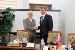 Iran nuclear chief meets Slovak economy min.