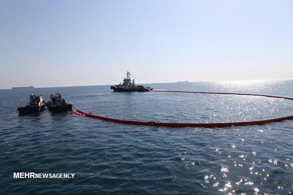 لکههای نفتی در نزدیکی جزیره خارگ امحا شد