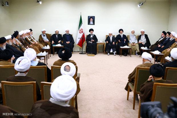 قائد الثورة الاسلامية يستقبل أعضاء مجلس خبراء القيادة