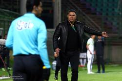 دیدار تیم های فوتبال ذوب آهن و نفت تهران