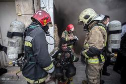 آتش سوزی مرگبار مینی بوس در اتوبان سعیدی/ ۴ نفر جان باختند