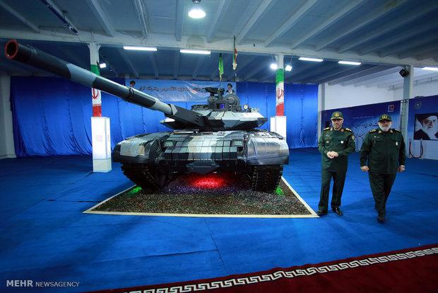 رونمایی از تانک پیشرفته بومی کرار توسط وزیر دفاع