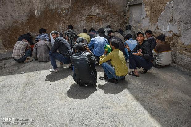جمع آوری معتادان متجاهر و کشف مواد محترقه قاچاق در شیراز