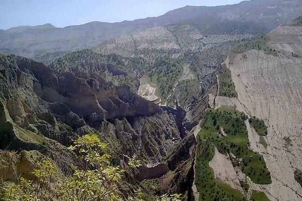 منطقه توریستی و تاریخی«دربند»شهرستان بدره در انتظار گردشگران