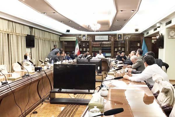جلسه شورای عالی کار لغو شد/نمایندگان کارگری و کارفرمایی جلسه را ترک کردند