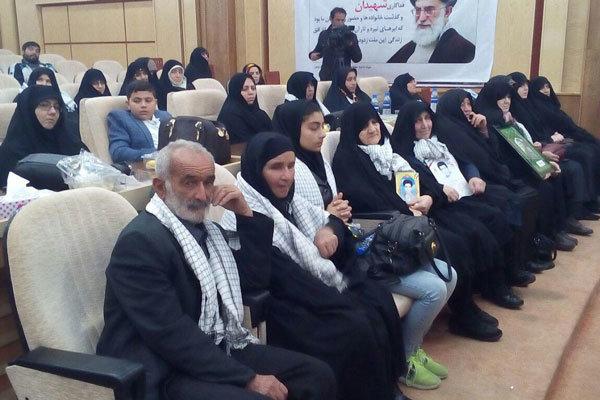 امام جمعه قزوین: مادران شهدا جلوه تربیت فاطمی در کشورند