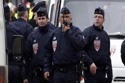 """اعتقال 5 """"إرهابيين"""" خططوا لتنفيذ هجوم في فرنسا"""