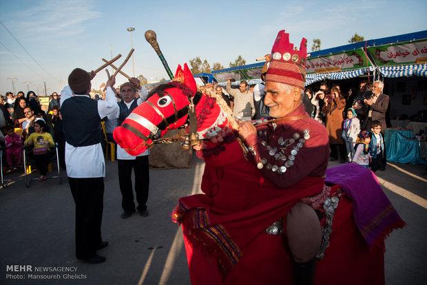 میزبانی مردم شاهرود از مسافران نوروزی