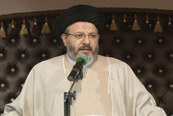 انقلاب اسلامی ما انقلابی برگرفته از قرآن و عترت است