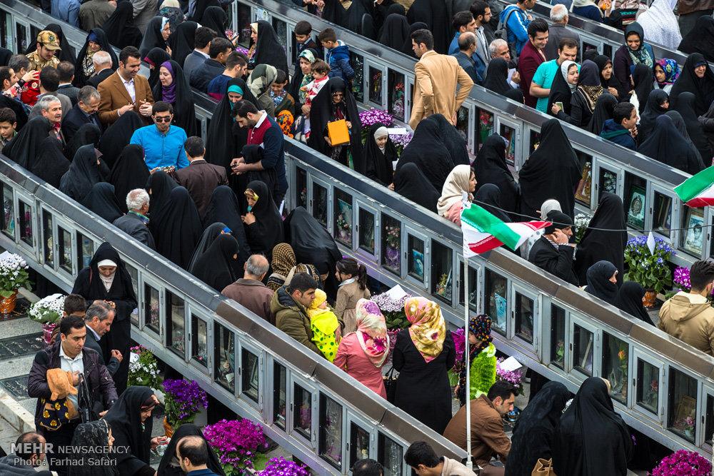 لحظه تحویل سال در کنار شهدای گمنام باراجین و امامزاده حسین قزوین