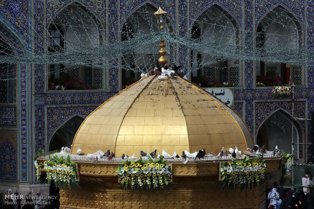 مراسم تحویل سال نو در آستان ثامن الائمه (ع)