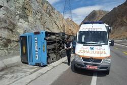 واژگونی اتوبوس مسافربری در محور زاهدان به زابل