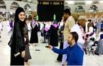 ترک شہری نے خانہ کعبہ کے سامنے اپنی محبوبہ کو انگوٹھی پیش کردی