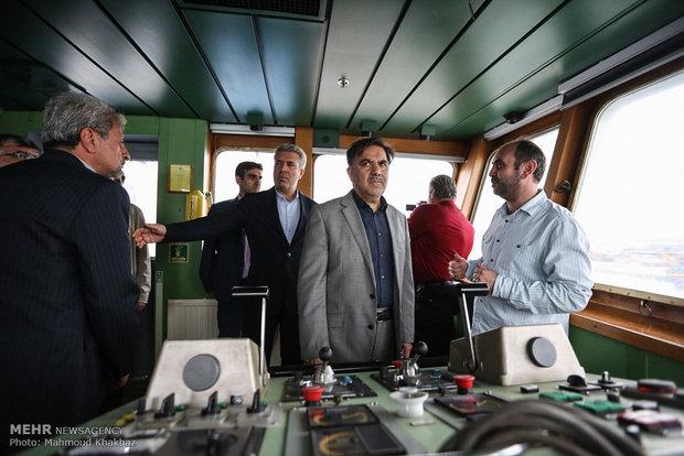 بازدید وزیر راه و شهرسازی از کشتی بزرگ اقیانوس پیمای تفریحی مسافری در جزیره کیش