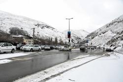 هراز به سمت تهران یکطرفه شد/ چالوس همچنان دوطرفه با ترافیک سنگین