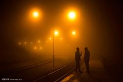 قطار مشهد بعد از ۲۳ ساعت به تهران رسید/ سیستم گرمایش قطع بود