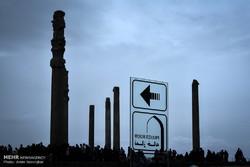 گردشگران نوروزی در مجموعه میراث جهانی تخت جمشید