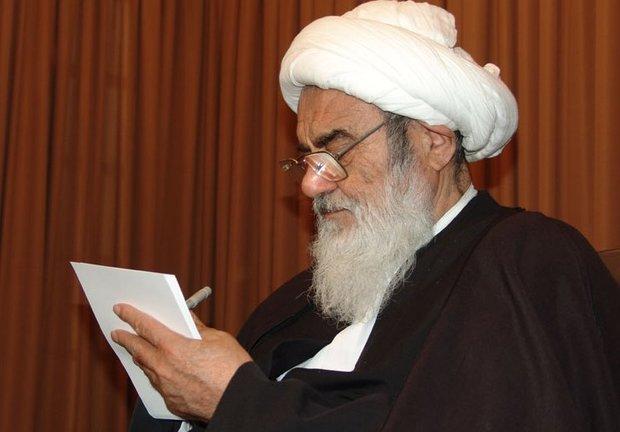 رئیس حوزه علمیه اصفهان: خدمات خالصانه مرحوم مظاهری از ذهن مردم اصفهان محو نخواهد شد