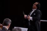 İranlı müzisyen İzmir Senfoni Orkestrası ile birlikte konser veriyor