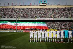 احتشاد الجمهور الايراني لتشجيع منتخبه خلال مباراته مع نظيره الصيني /فيلم
