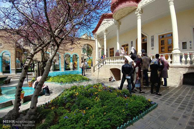 Tourists visit historical venues of Tehran