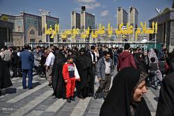 زائران حرم امام رضا(ع) در مشهد مقدس