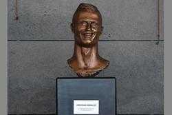 مجسمه رونالدو مورد تمسخر مردم قرار گرفت/ شباهتی وجود ندارد