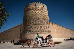 Şiraz gezicileri büyülüyor