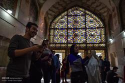 حضور گردشگران در مجموعه ارگ کریم خان شیراز در ایام نوروز