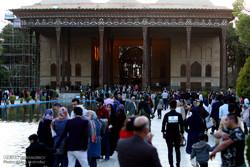 افزایش بازدید گردشگران نوروزی دیار زندهرود/کاهش فروش صنایع دستی