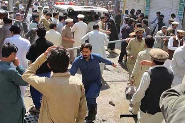استشهاد وجرح العشرات في انفجار بشمال غرب باكستان