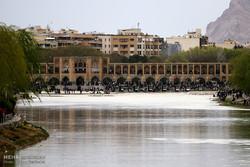 رئیس جمهور آینده باید جریان دائمی آب در زایندهرود را تضمین کند