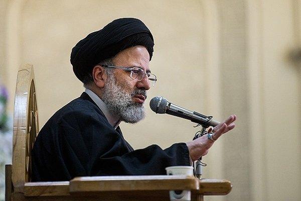 """ستون شخصية ثقافية من محافظة مشهد يدعون"""" رئيسي"""" الى الترشح للإنتخابات الرئاسية"""