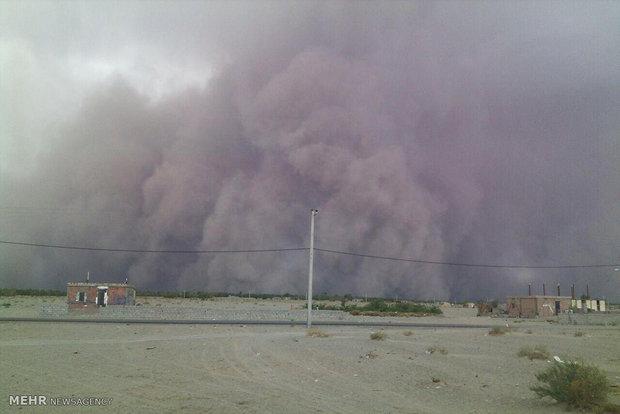 آلودگی هوا در ریگان ۳ برابر حد مجاز/ ۱۲۰روستا درمحاصره گرد و غبار